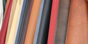 Bei uns finden Sie eine große Auswahl an Stoffen und Ledersorten für Möbel.