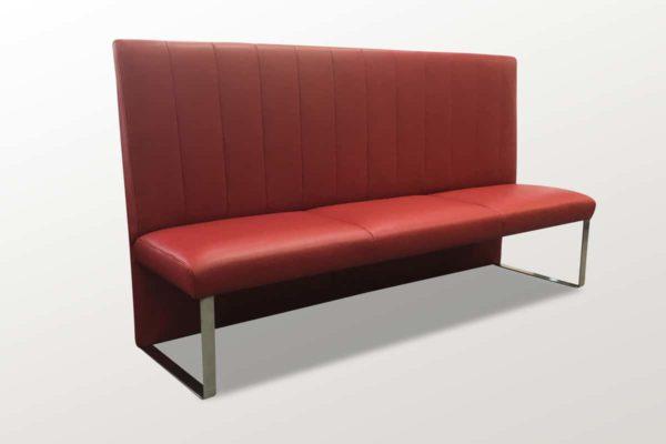 Bänke, Stühle und Liegen