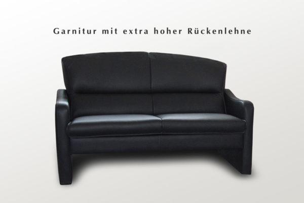 Couchgarnitur mit hoher und fester Polsterung
