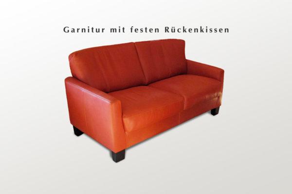 Sofa in Leder orange und Holzfuessen