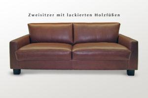Sofa mit Holzfüßen - in Leder oder Stoff direkt vom Polsterer.